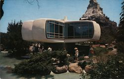 Disney Land- House of the Future