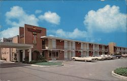 Thunderbird Motel I-75 and West 2nd Street Postcard