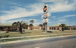 "Seabreeze Motel ""Fine accommodations for discriminating guests"" on U.S. 17 Postcard"