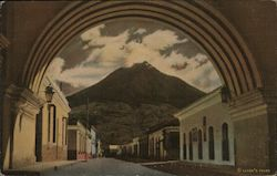 Arch of St. Catherine and Volcano 'Agua'