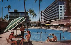 The Swimming Pool at the Reef Hotel on the Beach of Waikiki