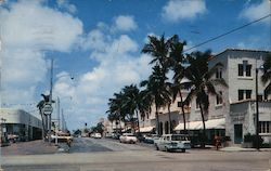 Delrey Beach, Florida Looking west on Atlantic Avenue Postcard