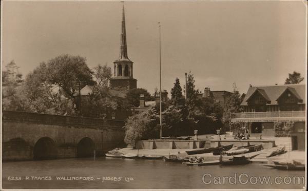 R. Thames. Wallingford UK Oxfordshire