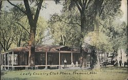 Leafy Country Club Place