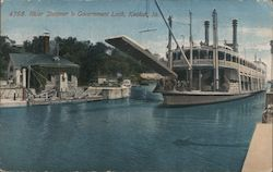 River steamer in government lock Postcard
