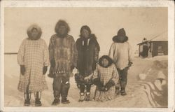 Inuit Family, Eskimos Postcard