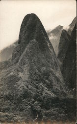 Scenic Mountain Formation, Hawaii? Postcard