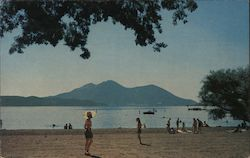 Austin's Resort, Bathing Beach Scene