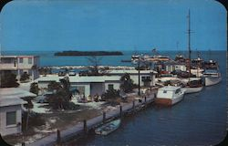 Bill Thompson's marathon yacht boats, Silver King Cottages Postcard
