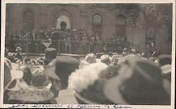 Photo of Teddy Roosevelt speaking to large group at opening of dam