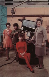 Woman's World. TV Set with camera. Editor Rita Shaw, Sara LaVonne and Billie Oakley Postcard