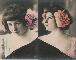 Set of 2: Woman with flowers in her hair Postcard