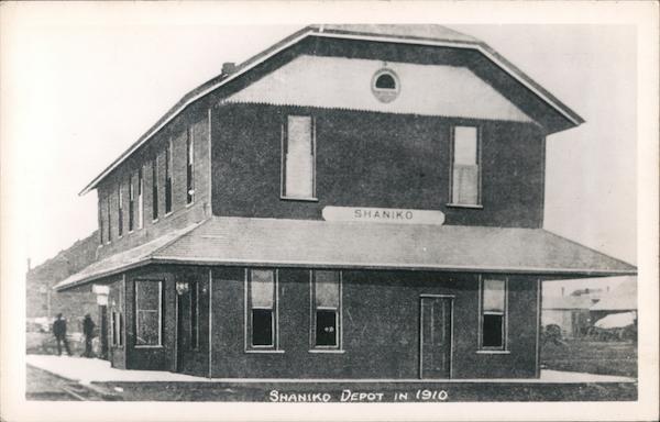 Shaniko Depot in 1910 Oregon