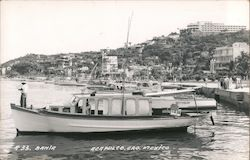 Bahia - Acapulco, Gro. Mexico - fishing boat at marina Postcard