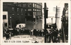 Flooding, Sunday crowd at State-Broadway May 1943