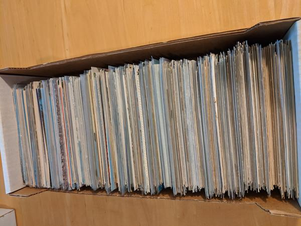 Large Lot of 800 Vintage US Postcards, Views, Topics