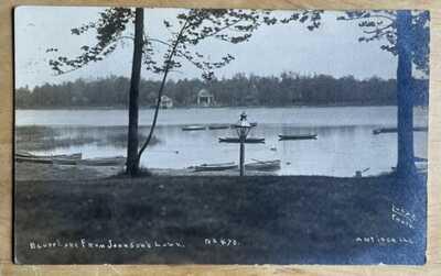 Lugar RPPC Bluff Lake From Johnson's Lawn NearAntioch, Illinois. Lake Count