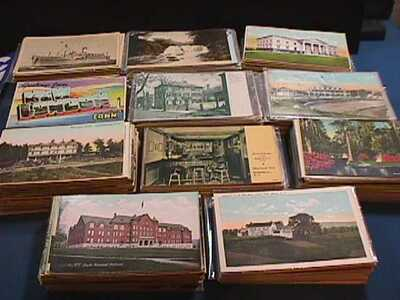 BOX LOT WITH 1100 VINTAGE UNITED STATE LOCATIONS POSTCARDS