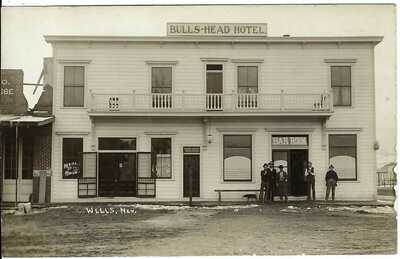 Bulls-Head Hotel, WELLS, NEV. ~ Elko County ~ Real Photo Postcard