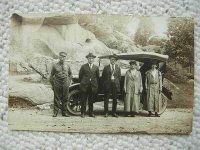 RPPC-GETTYSBURG PA-DEVILS DEN-AUTO-BATTLEFIELD GUIDE-TOURISTS-CIVIL WAR