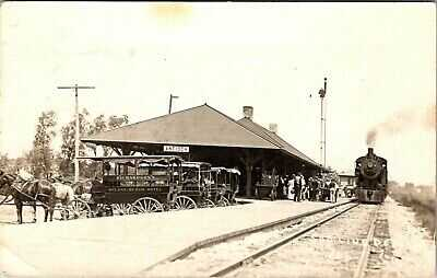 ANTIOCH ILLINOIS SOO RAILROAD LINE DPOT WITH TRAIN 1913 REAL PHOTO POSTCARD