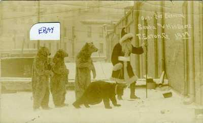 1907 T. EATON CO. SANTA AND HIS BEARS WINNIPEG MAN PHOTO RPPC POSTCARD CHRISTMAS