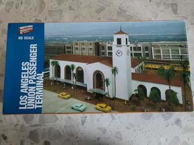 LOS ANGELES UNION PASSENGER TERMINAL HO SCALE (RARE/HARD TO FIND)