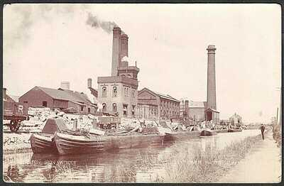 POSTCARD, STANTON IRON WORKS, CANAL & BARGES, ILKESTON, DERBYSHIRE, RP.