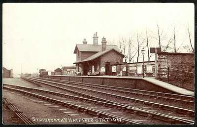 POSTCARD, STAINFORTH & HATFIELD RAILWAY STATION, DONCASTER, SOUTH YORKSHIRE, RP.