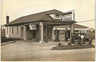 RPPC Real Photo Postcard Bamberger Bros. Mobil Gas Service Station Fontana, Pa.