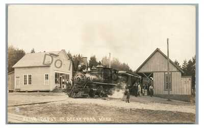 RPPC Clamshell Railroad Train Station Depot OCEAN PARK WA Real Photo Postcard