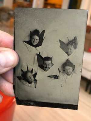 Rare Victorian Era Tintype Photo Of 5 Humorous Goofy Friends