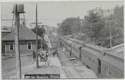Sidney,Ohio-Railroad Depot/Station-Train-Grocers Picnic-1909 Real Photo jh13