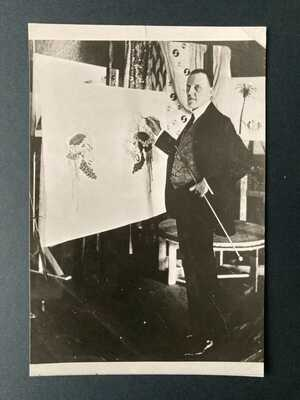 Raphael Kirchner , photograph of the Man ! See Page 27  of Dell'Aquila . 1916