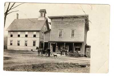 1911 Northfield Vermont Post Office Horse & Buggie Real Photo Postcard RPPC