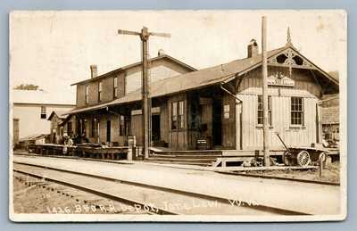 JANELEW V.Wa RAILROAD DEPOT ANTIQUE REAL PHOTO POSTCARD RPPC RAILWAY STATION