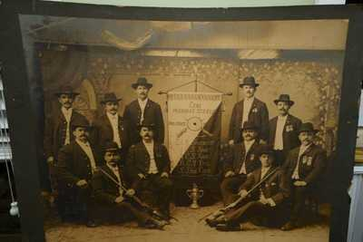 ANTIQUE SCHUETZEN CLUB PHOTOGRAPH CZECH AMERICAN SHOOTING CLUB 1905 BY KLAPPER
