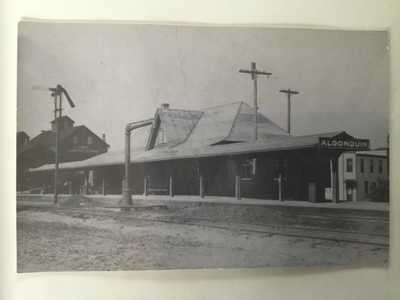 Algonquin ILLINOIS CNW Railroad STATION Depot B&W Real Photo Postcard RPPC