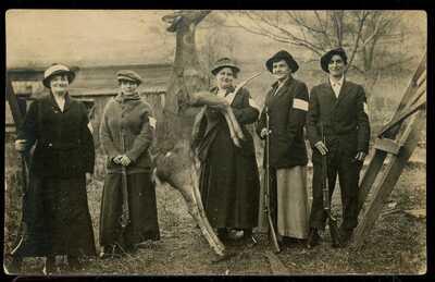 REAL PHOTO POSTCARD RPPC WOMEN WITH RIFLES & DEER HUNTING SLATE RUN PA 1910