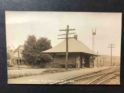 RPPC-Glenwood NY-Railroad Station-Train Depot-New York-Erie County-Real Photo
