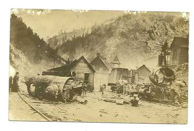 RARE 1907 MACE IDAHO REAL PHOTO - NORTHERN PACIFIC RR ENGINE EXPLOSION TOWN VIEW