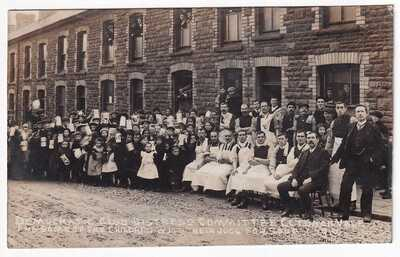 DEMOCRATIC CLUB DISTRESS COMMITTEE CLYDACH VALE AND SOME OF THE CHILDREN 1910