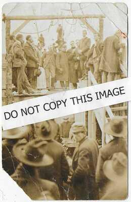 (5725) 1906 RPPC  Rare View of  Public Hanging  of  Murderer  Houston Missouri