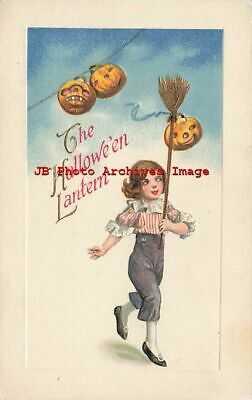 Halloween, Winsch NC No 4225-1, Schmucker, Boy with JOL on Broom