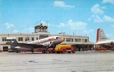 TX Dallas - LOVE FIELD Airport - SHELL FUEL TRUCK Pioneer Air Lines DC3 postcard